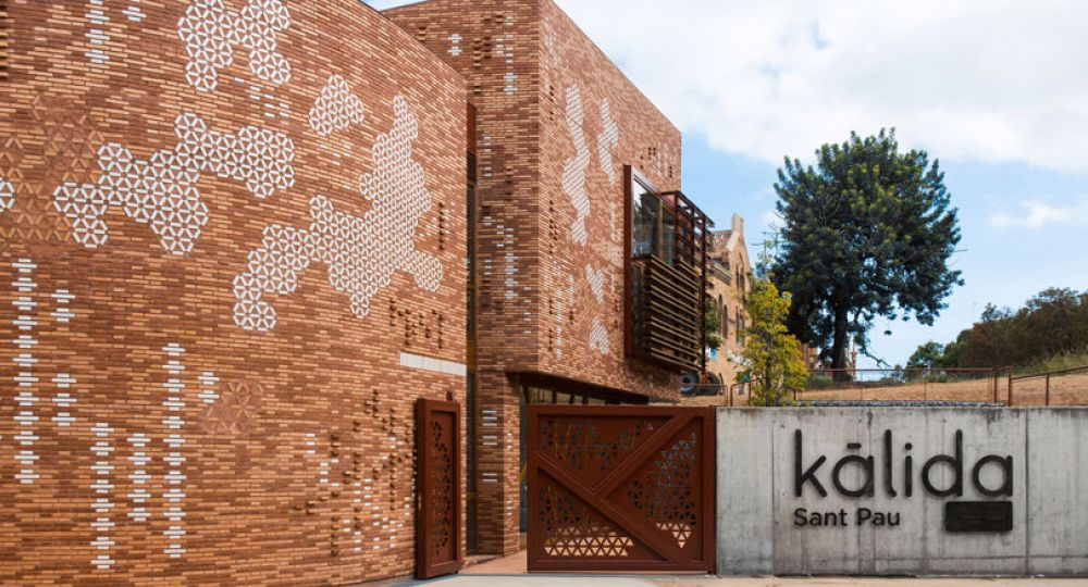 El nuevo Centro Kálida Sant Pau de EMBT Arquitectos en Barcelona