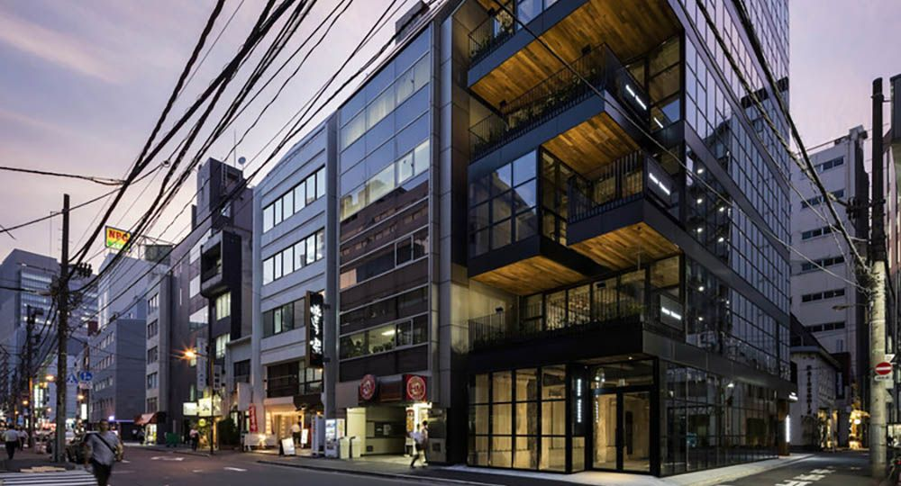 Kanda Terrace, arquitectura hostelera en altura en Tokio. Key Operation Inc. / Architects