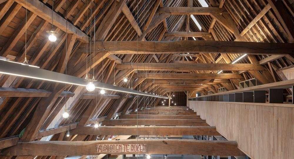 Rehabilitar la historia: una biblioteca en Malinas de Korteknie Stuhlmacher Architecten