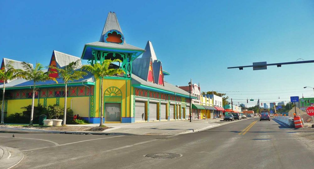 Arquitectura gingerbread en Little Haiti. Miami
