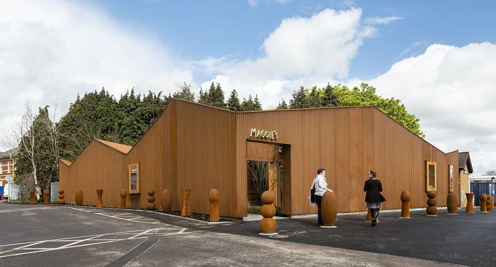 El nuevo Centro Maggie en Cardiff de Dow Jones Architects.