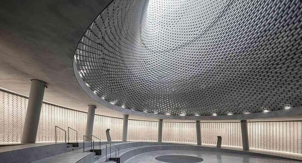 Pozo de luz: Mount Herzl Memorial de Kimmel Eshkolot Architects
