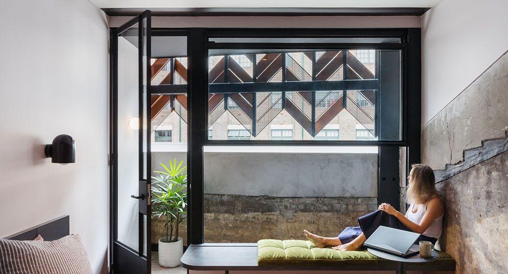 Arquitectura hotelera y rehabilitación: Paramount House Hotel en Sydney, Breathe Architecture.