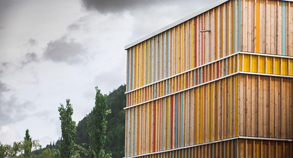 Arquitectura de madera: ampliación de la escuela Evjen, Noruega. PIR II.