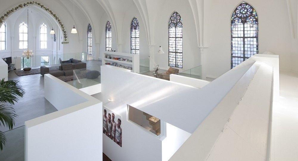 Residence Church, arquitectura religiosa transformada en vivienda por Zecc Architecten