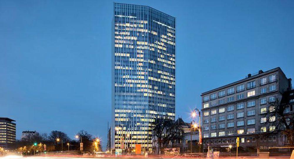 Arquitectura eficiente y rehabilitación: Torre Astro, Bruselas, Bélgica. Estudio Lamela Arquitectos.