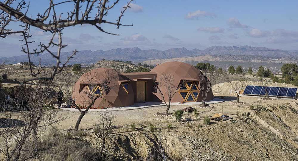 La arquitectura sostenible de Ecoproyecta: dos viviendas geodésicas.