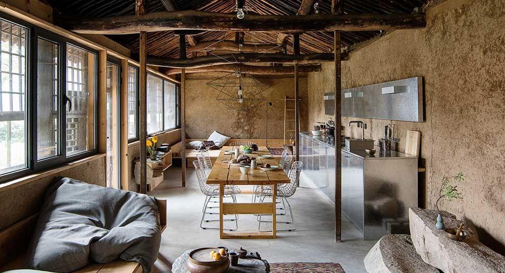 Rehabilitación de casas rurales como reclamo de la vuelta a la vida en el pueblo. Estudio Cottage, de CLOU Architects.