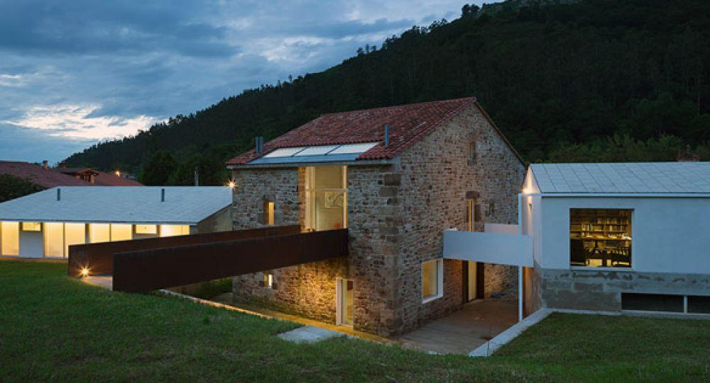 Ampliación de vivienda rural en Cantabria: Riaño Arquitectos
