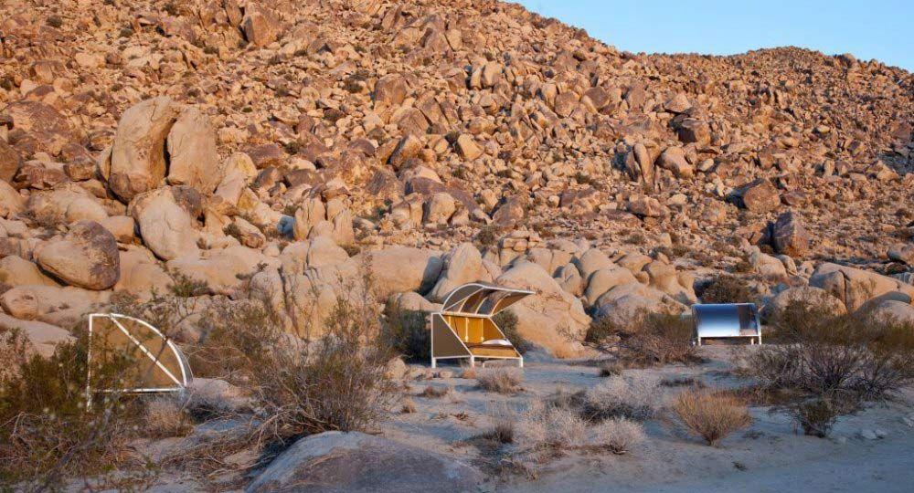 Camping desértico prefabricado. Wagon Station Encampment