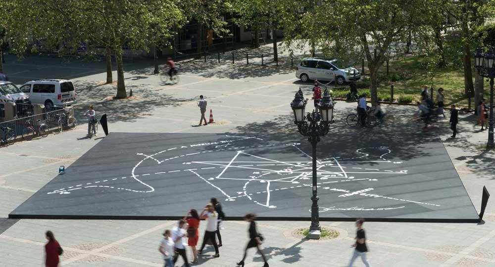 """Daniel Libeskind y Cosentino inauguran en Frankfurt la instalación """"Musical Labyrinth"""" realizada en Dekton®"""