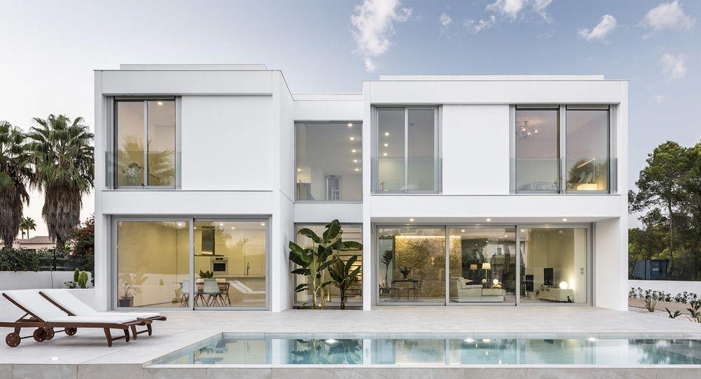 Arquitectura residencial en Mallorca: diseño para los sentidos de Viraje y Keraben Grupo