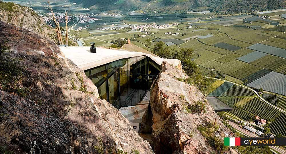 El arquitecto Werner Tscholl firma una caverna contemporánea
