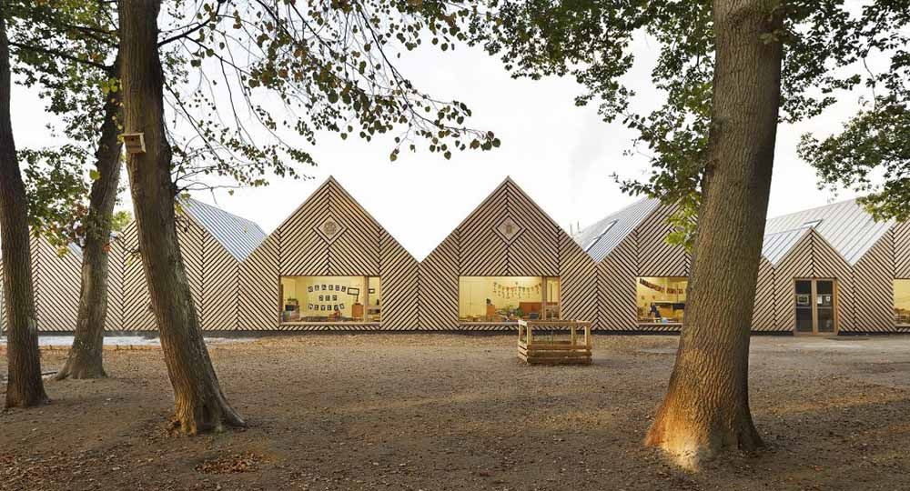 Escuela infantil La Ruche en Perthes, Tracks Architects.