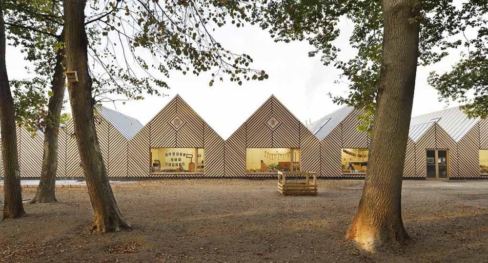 Escuela infantil La Ruche en Perthes, Tracks Architects.
