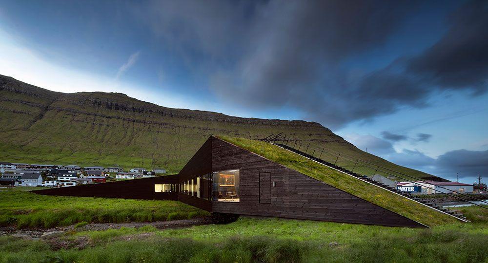 Homenaje a la arquitectura verde de Henning Larsen, Ayuntamiento Eysturkommuna