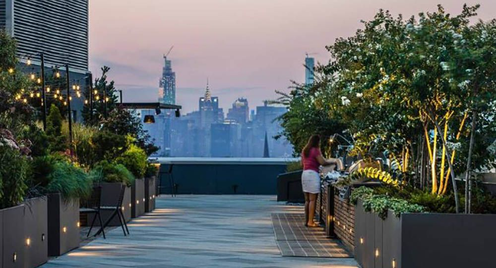 Residenciales con espacios comunitarios ajardinados. The Rheingold, ODA Architecture