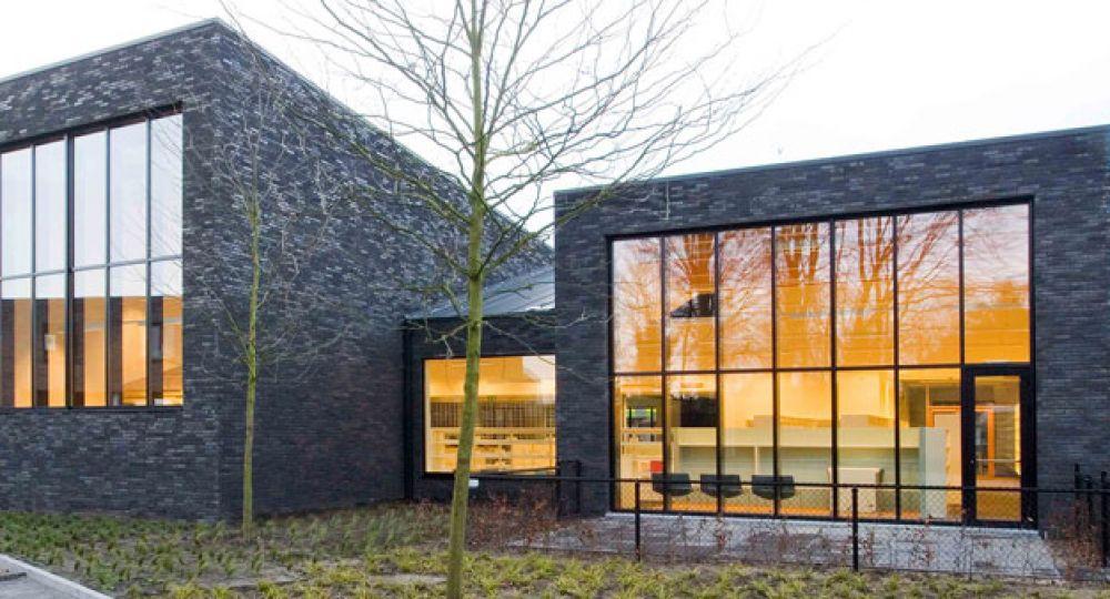 Biblioteca de Zoersel, arquitectura integrada en el entorno