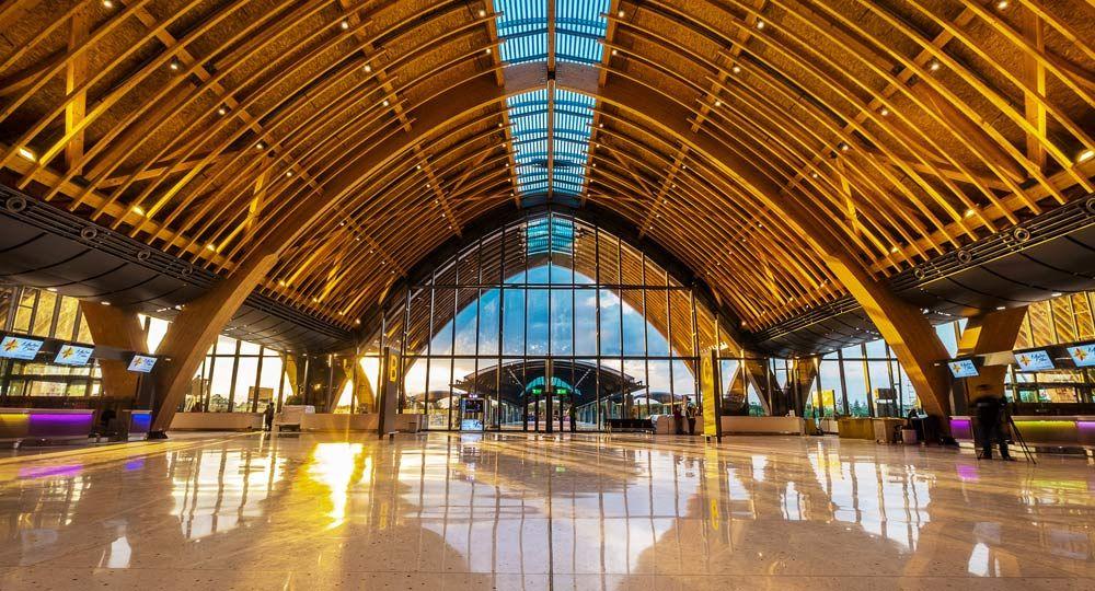 Aeropuerto Internacional Mactan Cebu. Diseño de los arquitectos Integrated Design Associates