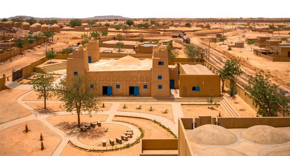De mezquita a centro comunitario y  biblioteca. Arquitectos Atelier Masomi