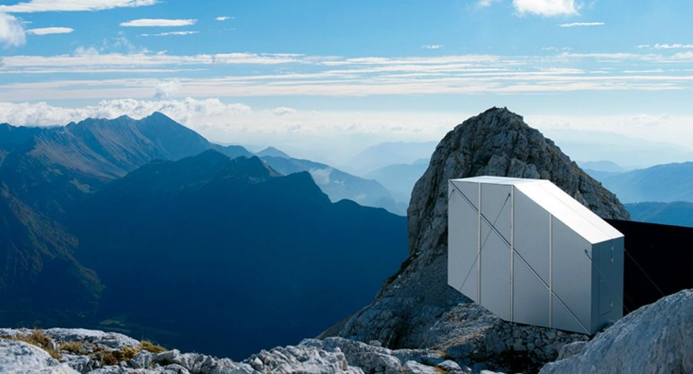 Arquitectura aérea. Cabaña en Monte Kanin de OFIS Architects