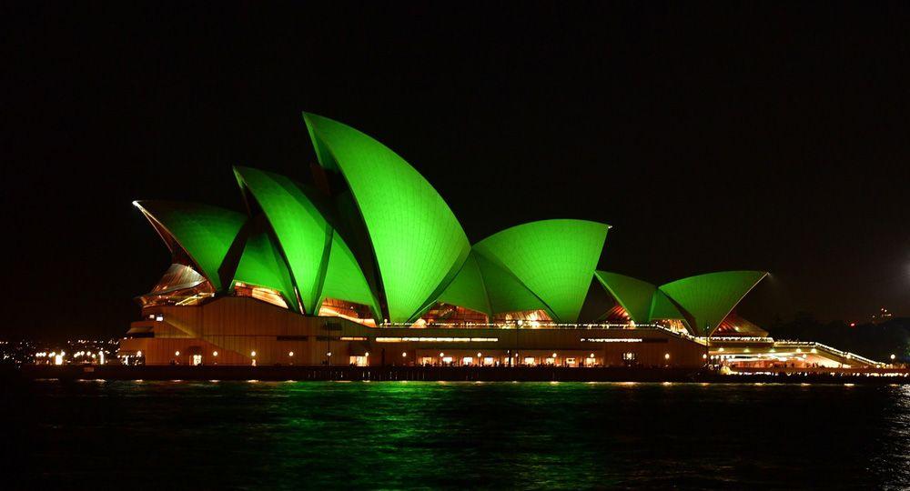 La Ópera de Sydney se pasa al lado de la arquitectura verde, literalmente