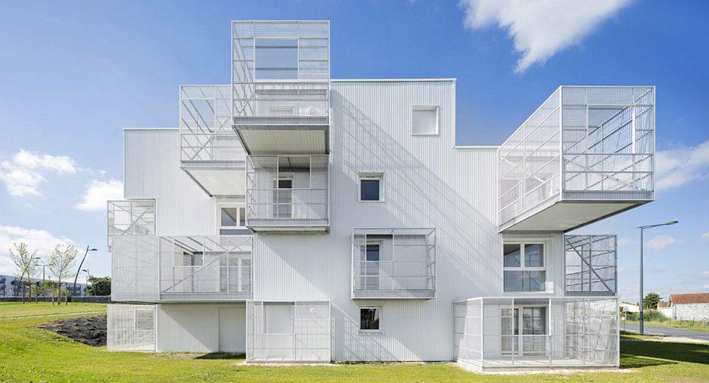 Nubes blancas.  Volúmenes, geometría y arquitectura de Poggi + More