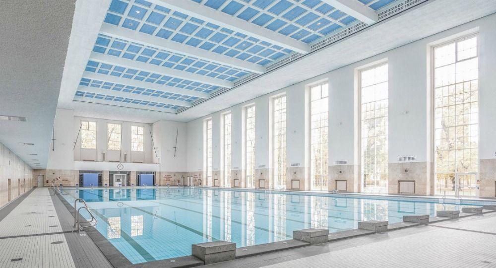 """""""Veauthier Meyer Architekten"""", Andreas Veauthier y Dr. Nils Meyer. Renovación de una piscina de los años 30."""