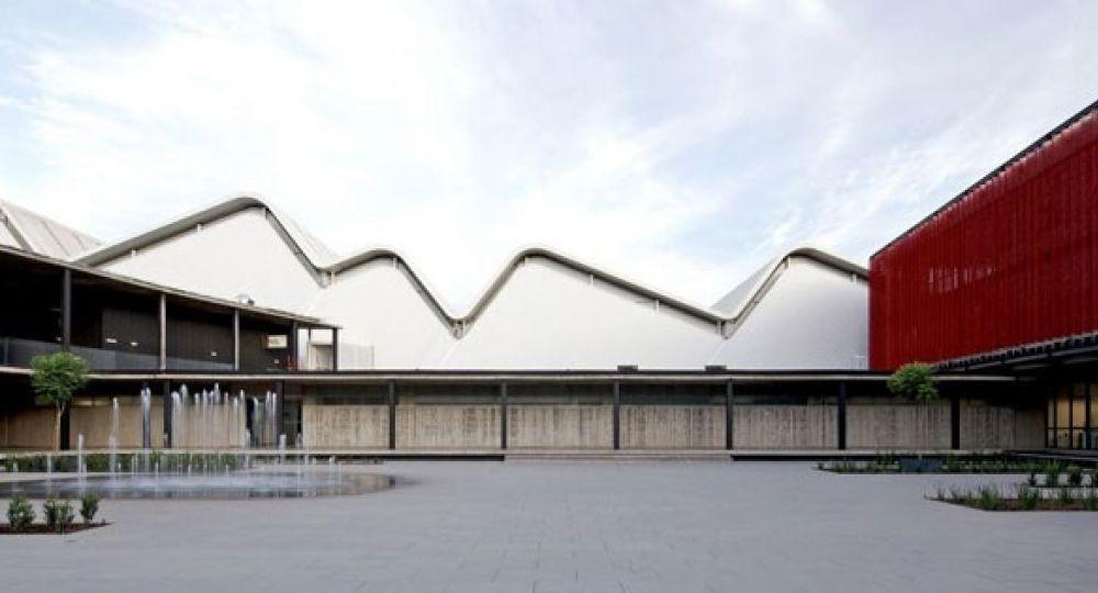 Centro de producción e investigación alimentaria Carozzi, por GH+A
