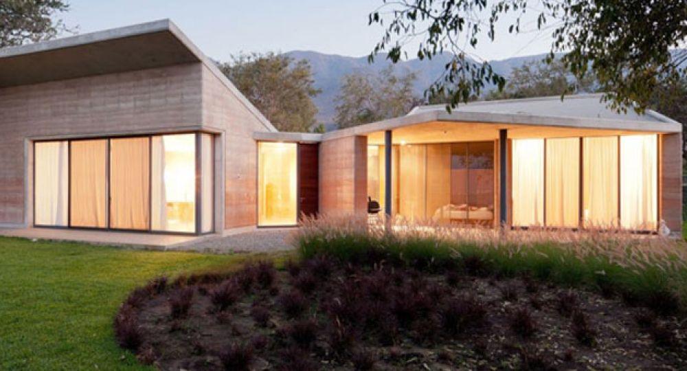 Casa ajijic una casa hecha de barro por tatiana bilbao - Casas de madera ecologicas espana ...
