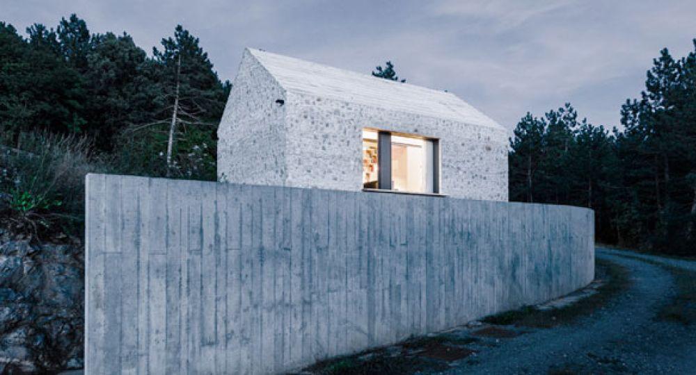 Dekleva Gregoric reinterpreta la casa tradicional eslovena