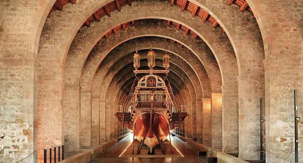 Las Atarazanas de Barcelona: Oficios, cultura y arquitectura