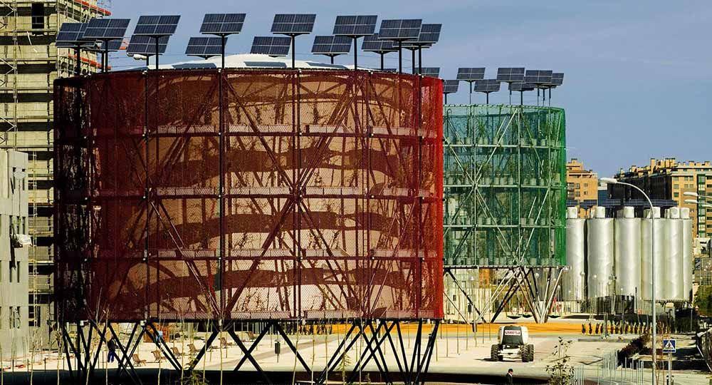 """El concepto de """"árbol de aire"""" en el Eco-Bulevar de Vallecas, Madrid. Ecosistema Urbano Arquitectos."""