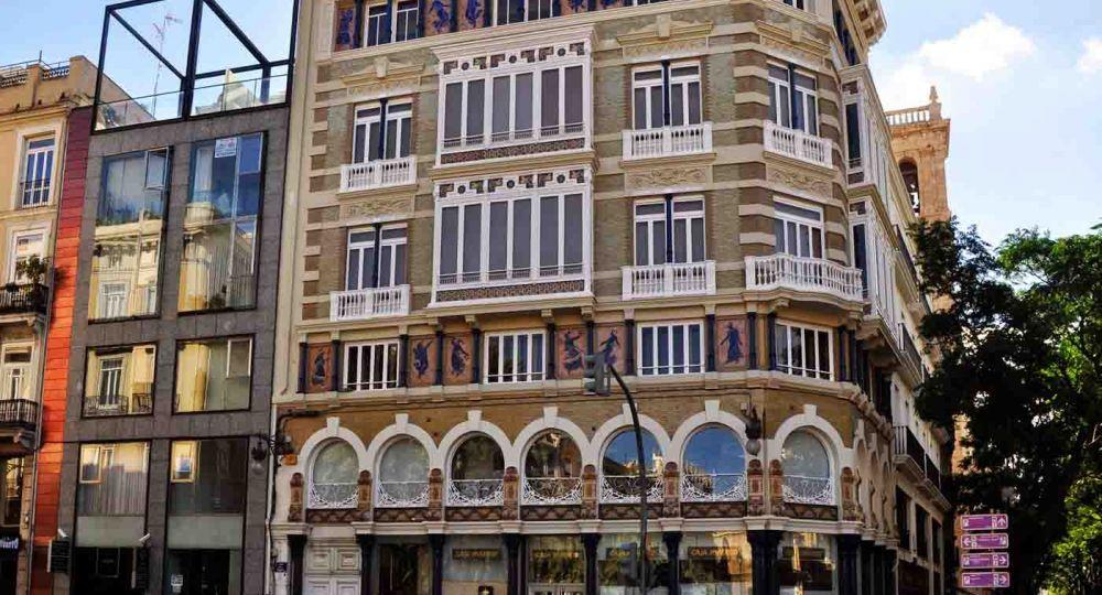 "Edificio  Monforte antiguos almacenes "" Isla de Cuba"""
