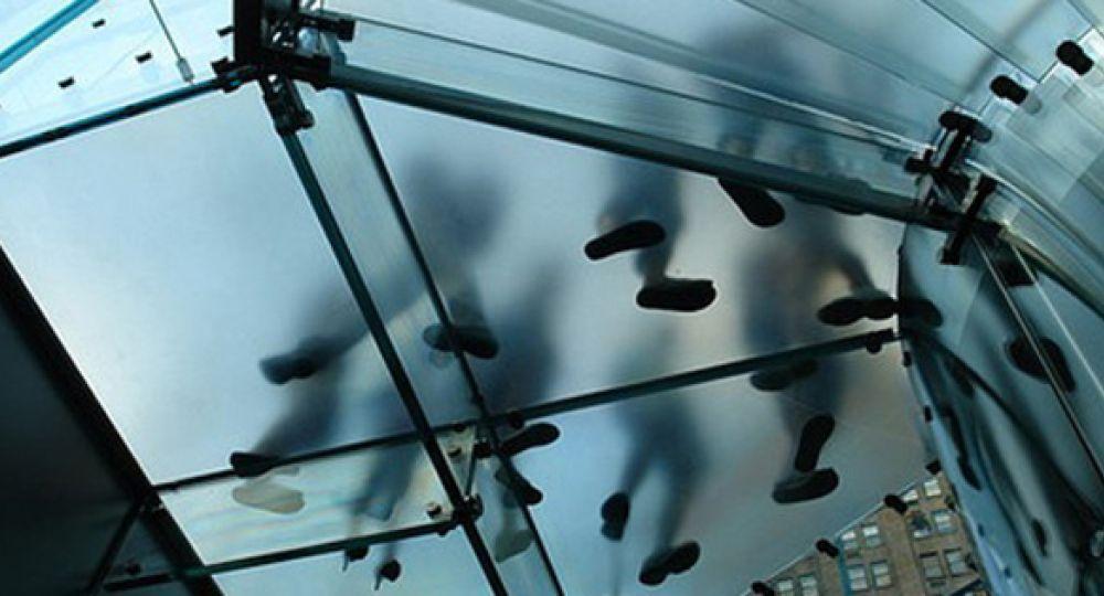escalera de cristal apple ny