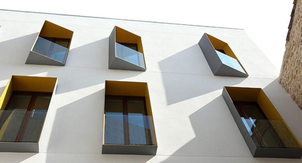 Rehabilitación para usos municipales en Tortosa, presentando a Feu Godoy Arquitectura