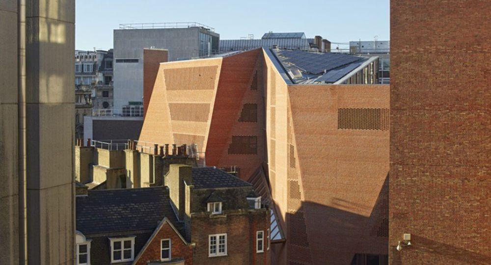 Origami de ladrillo rojo: London School of Economics de Londres