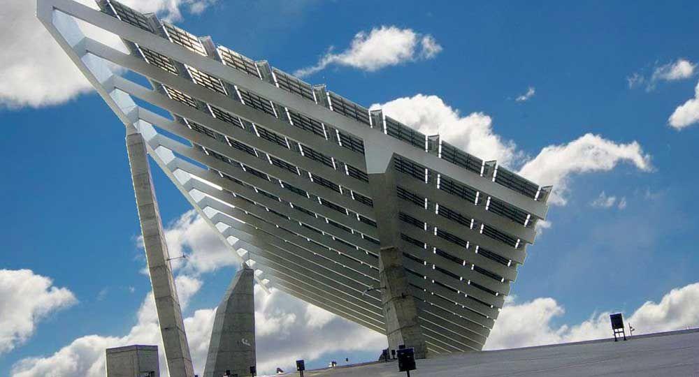 Pérgola fotovoltáica en el Fórum de Barcelona