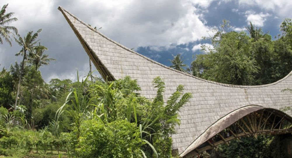 Millennium, puente de bambú sobre el río Ayung