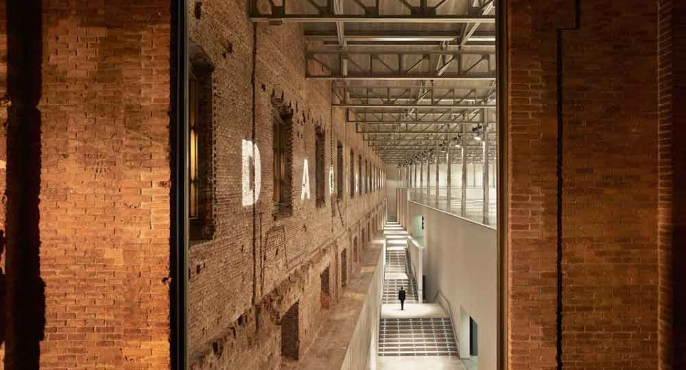 Centro cultural Daoíz y Velarde, por Rafael de la Hoz Arquitectura