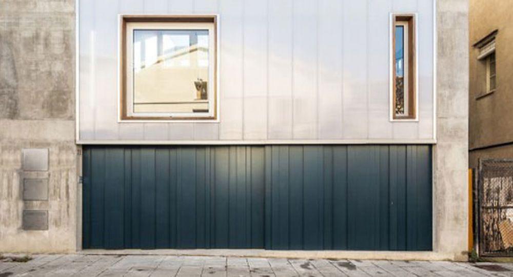 Casa Carrer Migdia, por SAU Taller d'Arquitectura