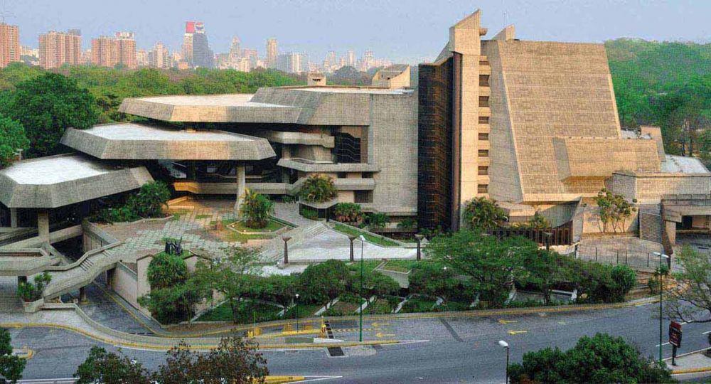 """TTC  """"Teatro Teresa Carreño"""". Complejo cultural de los años 70 en Venezuela, un avanzado diseño teatral de uso múltiple."""