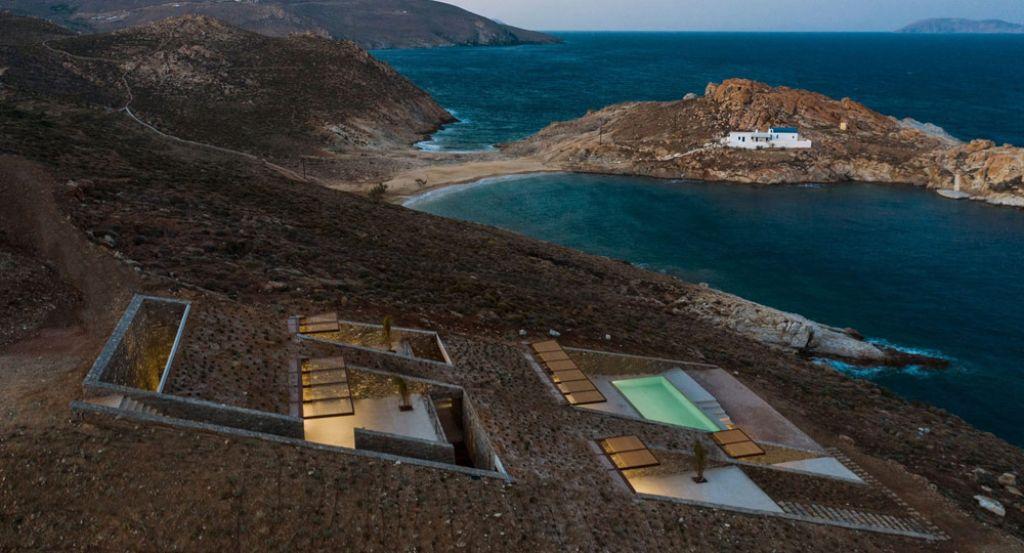 Casa NCAVED de MOLD Architects: arquitectura enterrada en la costa griega