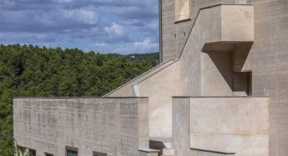 Arquitectura contemporánea en tierra