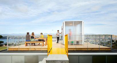 Aprovechamiento de espacios exteriores: 10x10 House, de Patchwork Architecture