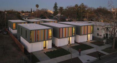 Oak Park. Sacramento: Arquitectura contemporánea para el renacimiento.