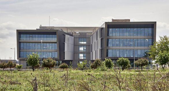Precisión y Diálogo: Campus Airbus FUTURA