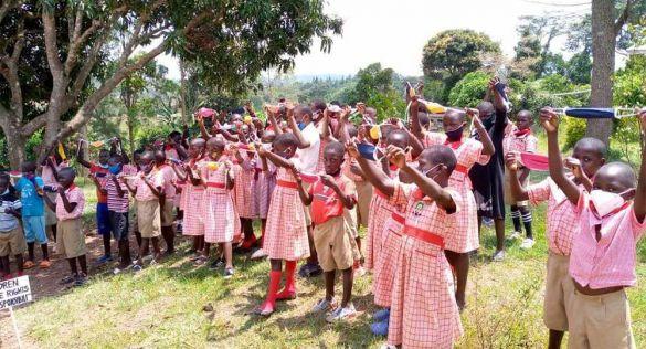 Ramon Soler colabora en un proyecto solidario en Uganda
