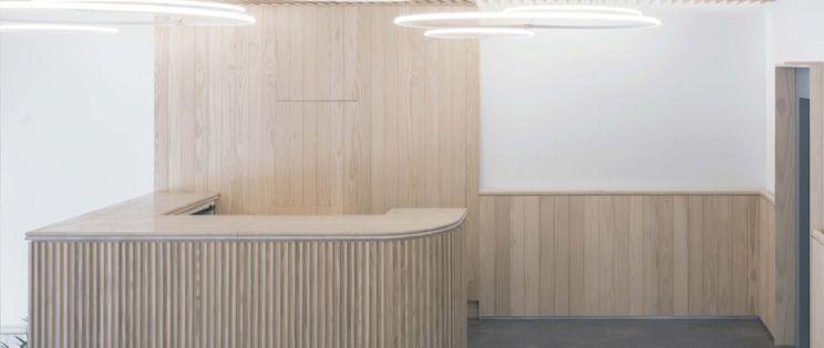 Arquitectura y Empresa: ADOM + Accoya