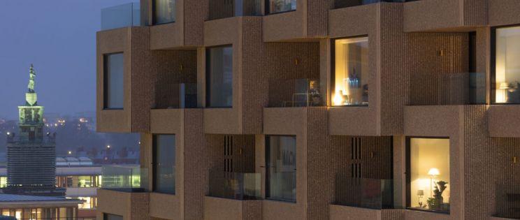 Arquitectura residencial brutalista en altura